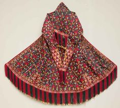 Woman' nomadic robe, Central Asia, Turkmen Tekke Chyrpy, 19 th c. Fine silk embroidery, natural dyes.