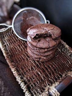 עוגיות שוקולד בראוניז הכי טובות שיש - בדוק! - קסמים מתוקים ומענגים - תפוז בלוגים