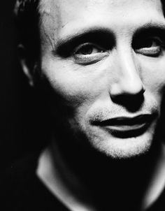 Mads is so beautiful!as Hannibal Lecter Hannibal Cast, Hannibal Lecter, Beautiful Men, Beautiful People, Hello Gorgeous, Hannibal Anthony Hopkins, Sir Anthony, Le Male, Jake Gyllenhaal