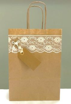 Rustic gift bag – lace and kraft paper bag with twist handles – wedding favour bag – bridal party – wedding shower – christening – new baby – Wedding Gifts Wedding Gift Wrapping, Creative Gift Wrapping, Wedding Favor Bags, Diy Wedding Favors, Party Wedding, Party Favours, Chic Wedding, Trendy Wedding, Wedding Cards