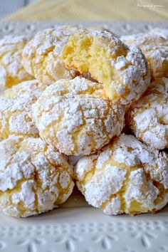 Biscuits moelleux au citron, Biscotti morbidi al limone - Kuchen Lemon Biscuits, Fluffy Biscuits, Oatmeal Biscuits, Easy Biscuits, Cinnamon Biscuits, Homemade Biscuits, Desserts With Biscuits, Biscuit Cookies, Gastronomia