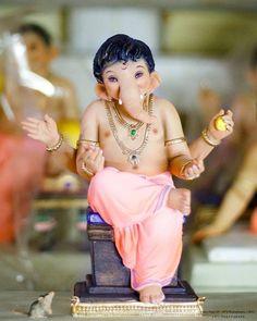Ganesh Idol, Shree Ganesh, Ganesha Painting, Ganpati Bappa, Lord Ganesha, Indian Gods, African Culture, Durga, Mythology