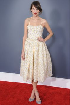 Alexa Chung en Red Valentino http://www.vogue.fr/mode/look-du-jour/articles/alexa-chung-en-red-valentino/17711