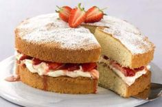 Strawberry and mascarpone cream Victoria sponge - 10 Victoria sponges with a twist - Food Pictures - Gallery - Recipes - goodtoknow