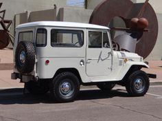 1969 Toyota FJ40 Land Cruiser