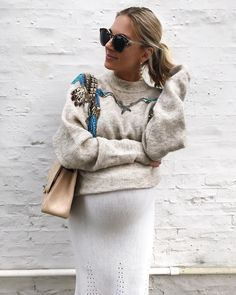 Can you believe this jumper is from H&M! Wonderful pregnancy styling from the fashion bug blog / maternity style / style the bump / mum to be