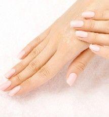 5 Σούπερ μάσκες χεριών   Karaver Dry Hands, Daily Activities, Facial Skin Care, Body Care, Hair Care, Moisturizer, Cosmetics, Fingers, Articles