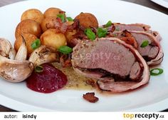 Srnčí kotleta ve slanině recept - TopRecepty.cz Pot Roast, Beef, Ethnic Recipes, Food, Kochen, Carne Asada, Meat, Essen, Ox