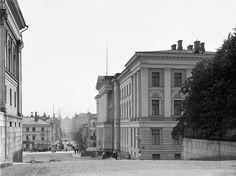 University Building on Unioninkatu. / Yliopistorakennus Unioninkadulla. I.K. Inha 1908 Helsinki The Finnish Museum of Photography / Suomen valokuvataiteen museo
