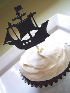 Pirate Party  Pirate Ship Cupcake Toppers Set by TheBirthdayHouse. , via Etsy.