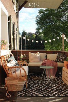 Your Tiny Balcony as an Outdoor Paradise - Unique Balcony & Garden Decoration and Easy DIY Ideas Online Furniture Stores, Online Home Decor Stores, Furniture Shopping, Outdoor Spaces, Outdoor Living, Outdoor Decor, Tiny Balcony, Balcony Ideas, Balcony Garden