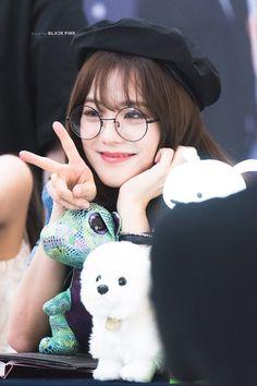 Kim Jennie, Yg Entertainment, South Korean Girls, Korean Girl Groups, Black Pink ジス, Blackpink Photos, Pictures, Blackpink Members, Sick