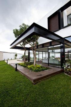 gestaltungsideen garten bäume terrasse integrieren