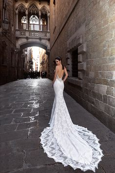 Top 10 Iconic Wedding Gowns Worn By Celebrities Kate Moss Dress And