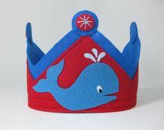 Felt Whale Birthday Crown by TwoLittleBluebirds on Etsy, $23.00 Princess Party Favors, Disney Princess Party, Cinderella Party, Diy Flower Crown, Diy Crown, Diy Birthday Crown, Birthday Crowns, Whale Birthday, Felt Crown