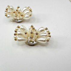 Shoe-clips-faux-pearl-teardrops-goldtone-beads-bowtie-look-clip-on