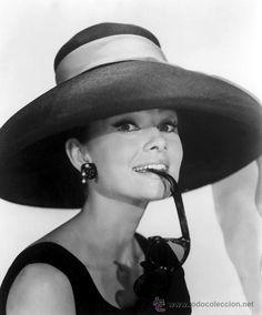 Foto de la actriz Audrey Hepburn en todocoleccion.
