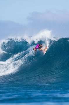 Courtney Conlogue on fire in Round 1 moving straight to Round 3 #FijiPro