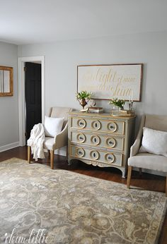 Moonshine and Simply White, Benjamin Moore.  Dear Lilly