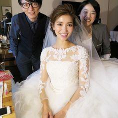 ホテルヘアメイクに伝えたイメージ Perfect Wedding Dress, White Wedding Dresses, Wedding Looks, Bridal Hairdo, Wedding Hair And Makeup, Asian Bridal Hair, Asian Bridal Makeup, Evening Hairstyles, Bride Hairstyles