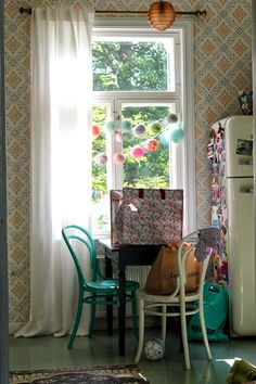 How do you not just want to sit here and sip a coffee while the sun rises? #smallkitchen #vintageinspired #quaint