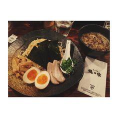 おいしかった(_) #つけ麺 #龍の家 #行列 #新宿 #もやしは嬉しい #シメの雑炊に感激 #おいしかった #煮玉子は絶対 #そしてモツはむりでした by ya_yuka