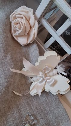 Leah Leah Bo Beah cut some bea Baby Favors, Baptism Favors, Butterfly Party, Butterfly Wedding, Diy And Crafts, Paper Crafts, E Craft, Creation Deco, Homemade Valentines