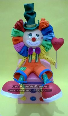 creaciones D Moni: fofucho payasito Foam Crafts, Diy And Crafts, Arts And Crafts, 27th Birthday, Happy Birthday, Clown Cake, Circus Party, Quilling, Paper Art