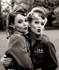 Resultado de imagen para años 40 moda