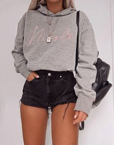 Trend Clothes & Fashion Looks For Your Street Style Outfit Ideas - Outfit Ideen Teen Fashion Outfits, Mode Outfits, Look Fashion, Fashion Spring, Fashion Ideas, Classy Fashion, Fashion Trends, Asian Fashion, Fashion For Teens