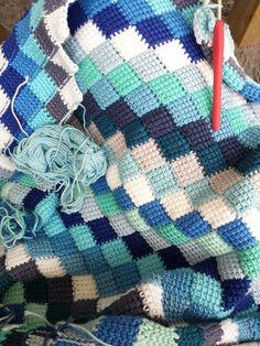 Entrelac crochet Entrelac haken Tunisch haken Crochet Ripple Blanket, Tunisian Crochet, Crochet Blanket Patterns, Crochet Stitches, Shawl Patterns, Baby Patterns, Vintage Crochet Patterns, Crochet Ideas, Crochet Baby