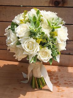 Bouquet by Spellbound Weddings, photo by Alwin of Trouvé via The Wedding Scoop.