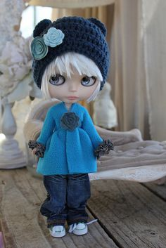 Turquoise Fleece Wrap by Abi Monroe of Taylor Couture, via Flickr