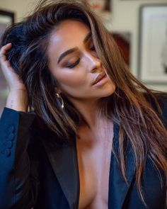 Shay Mitchell is one stunning lady🤩🔥💯 Shay Mitchell Style, Shay Mitchell Makeup, Shay Mitchell Haircut, Hair Inspo, Hair Inspiration, Maquillage Kylie Jenner, Sup Girl, Estilo Jenner, Hair Styles