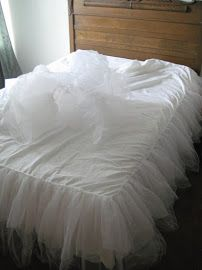 DIY Tulle Bedskirt