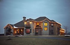 this is my dream house lol beautiful home near or in Springfield, MO. It's Tuscan Hill and you can have your wedding here :) Very beautiful inside and out