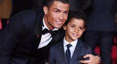 Sepak Bola: Ronaldo Diledek Sang Anak Karena Kalah Cepat Dari Bale -  http://www.football5star.com/ragam/sepak-bola-anak-ronaldo-sebut-ayahnya-kalah-cepat-dari-bale/70068/