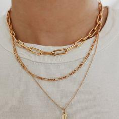Colar Fashion, Fashion Jewelry, Gold Chain Link Necklace, Layered Gold Necklaces, Layered Jewelry, Pearl Necklaces, Gold Chain Choker, Layering Necklaces, Layered Chain Necklace