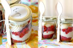 Discover recipes, home ideas, style inspiration and other ideas to try. Valentines Sweets, Valentine Cake, Bake Sale Packaging, Fudge, Cake In A Jar, Gelatine, Christmas Mason Jars, Brownie Cake, Mom Day