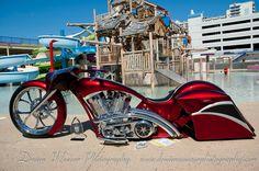 https://flic.kr/p/9tPeXk | Custom Bagger at Rat's Hole Bike Show | Daytona Bike Week 2011