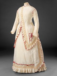 Cozy Morning Dress, dated from the mid 1870's. Source: John Bright Collection. #Victorian #Fashion