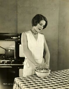 Norma Shearer in the kitchen, 1920