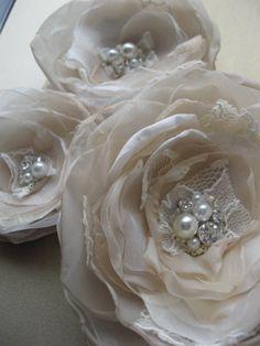 Bridal hair flowers Wedding hairpiece fascinator by LeFlowers