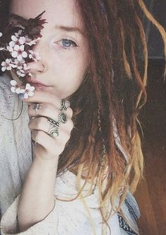 girl jewelry hippie hipster boho indie lady flowers blue eyes rasta woman floral dreads jewels dreadlocks rings Gipsy