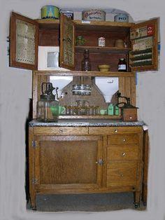 Antique oak Hoosier kitchen cabinet, c Antique Hoosier Cabinet, Buffet Cabinet, Cabinet Decor, Oak Kitchen Cabinets, Diy Cabinets, Kitchen Furniture, Cupboards, Kitchen Queen, Pie Safe