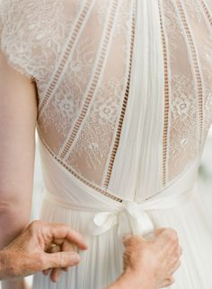 Lace wedding dress: Photography: Lance Nicoll - http://lancenicoll.com/