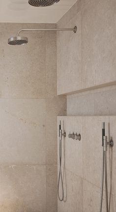 Soft and warm natural limestone inside the bathroom of the Harmonious House by Dennis T. Like this shelf idea Bathroom Spa, Chic Bathrooms, Bathroom Toilets, Bathroom Renos, Small Bathroom, Master Bathroom, Family Bathroom, Bad Inspiration, Bathroom Inspiration