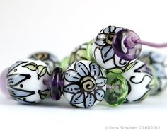 Dora Schubert...Handmade Lampwork Glass Beads