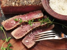 The Food Lab's Complete Guide to Sous-Vide Tuna - Serious Eats How To Cook Tuna, Seared Tuna, Sous Vide Cooking, Cooking Oil, Tuna Steaks, Food Lab, Food Food, Tuna Recipes, High Protein Snacks