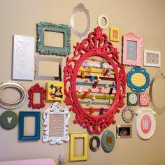 Baby girl nursery wall…I really love her hair bow frame. Indian Home Decor, Diy Home Decor, Living Room Decor, Bedroom Decor, Colourful Living Room, Deco Boheme, Bathroom Kids, Frame Crafts, Big Girl Rooms